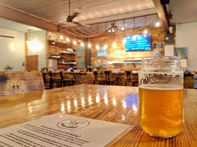 Tap room with beer at R&R Brewing